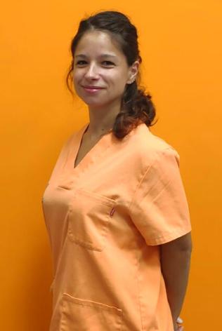 Elena Vargar, medicina interna